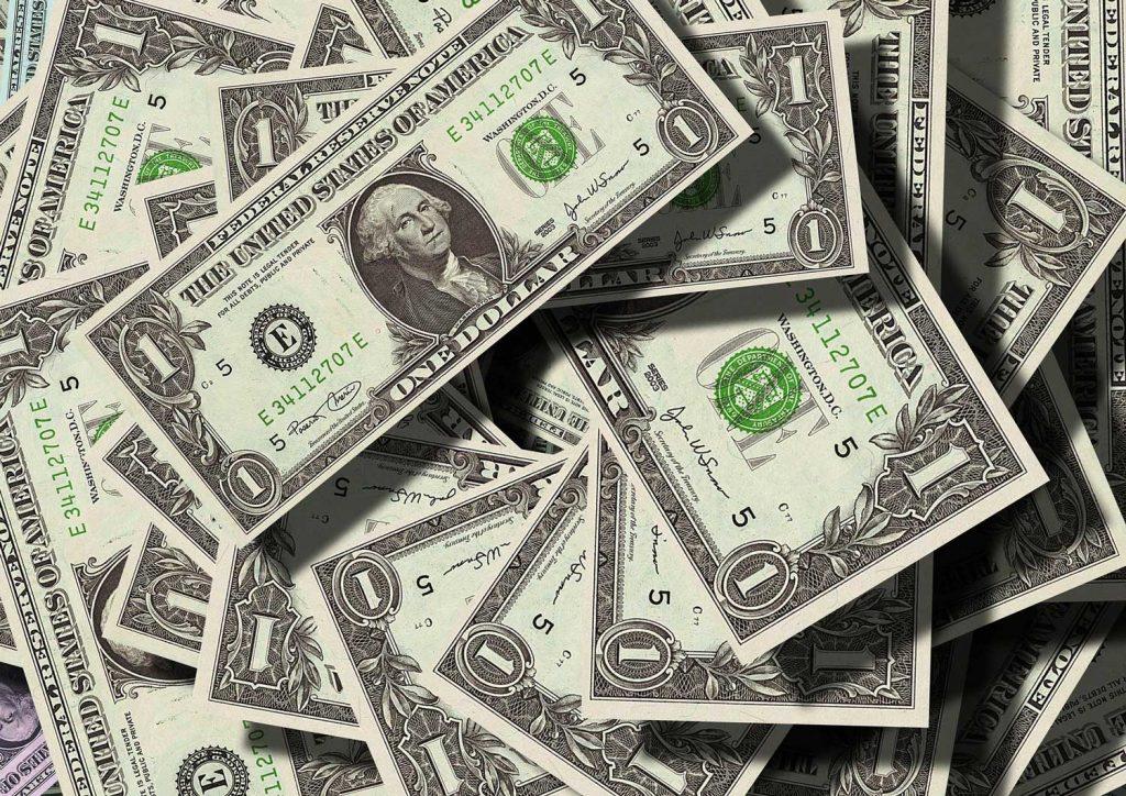 denaro dollari