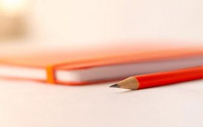 Come trovare l'ispirazione per scrivere quando sei a corto di idee (con 43 idee di titoli per i tuoi articoli)