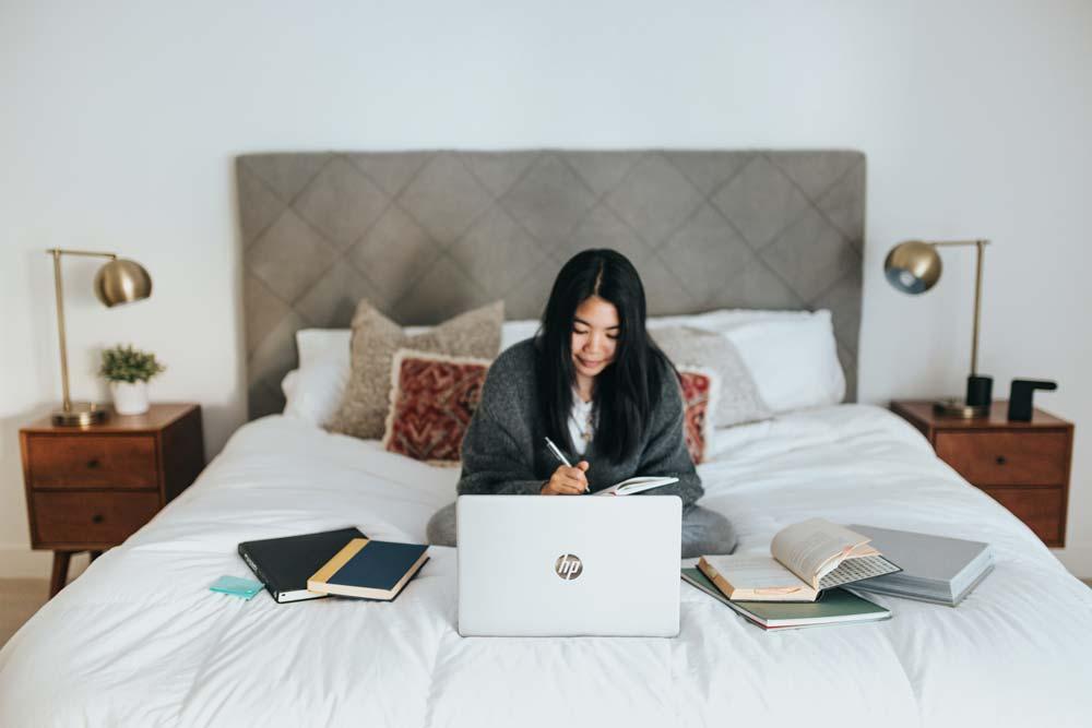 lavorare dal letto